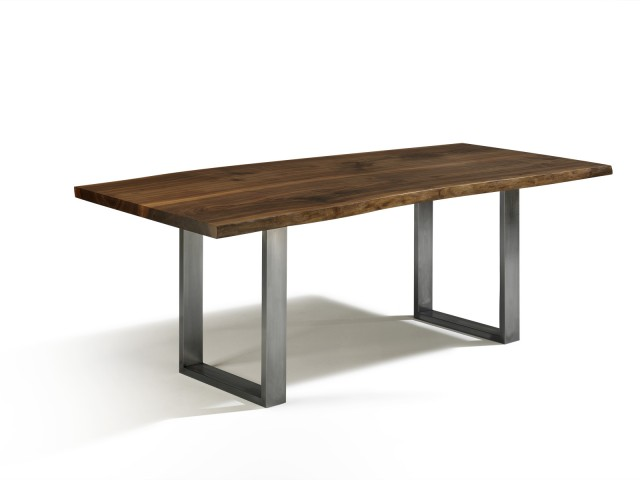 baumkantenoptik esstisch talca in nussbaum in den ma en 150cm x 80cm designobjekt. Black Bedroom Furniture Sets. Home Design Ideas