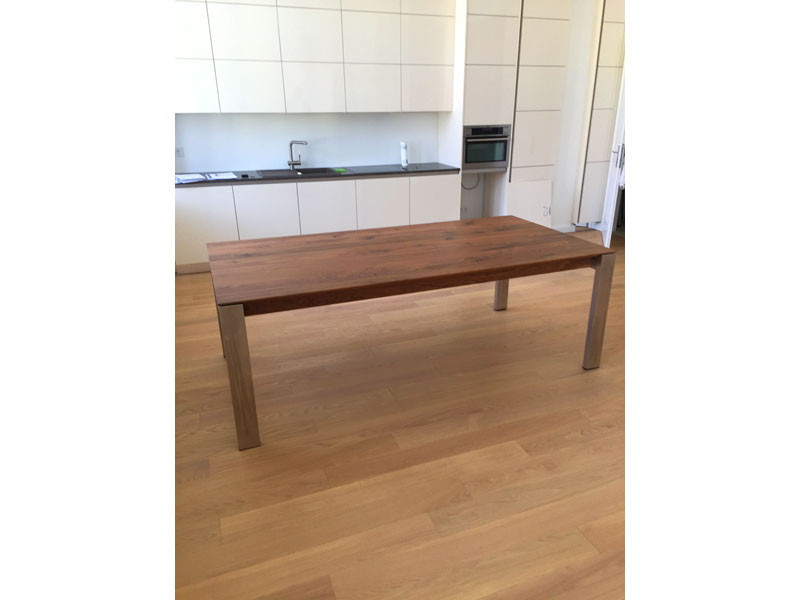 Massivholztisch amalfi mit gestell aus alu oder edelstahl for Esstisch holz mit metallbeinen